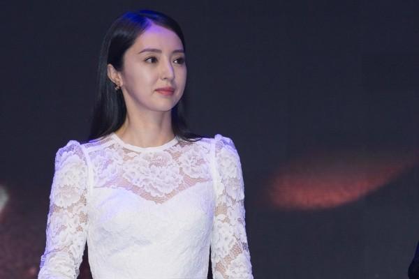 离婚后的董璇:为什么说婚姻并不是是一个女人的庇护所和避风港?