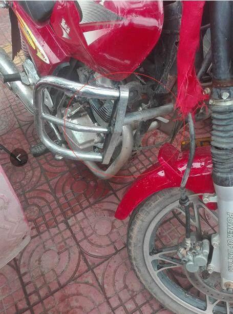 为什么不建议摩托车在磨合期内安装挡风板,尤其是夏天?