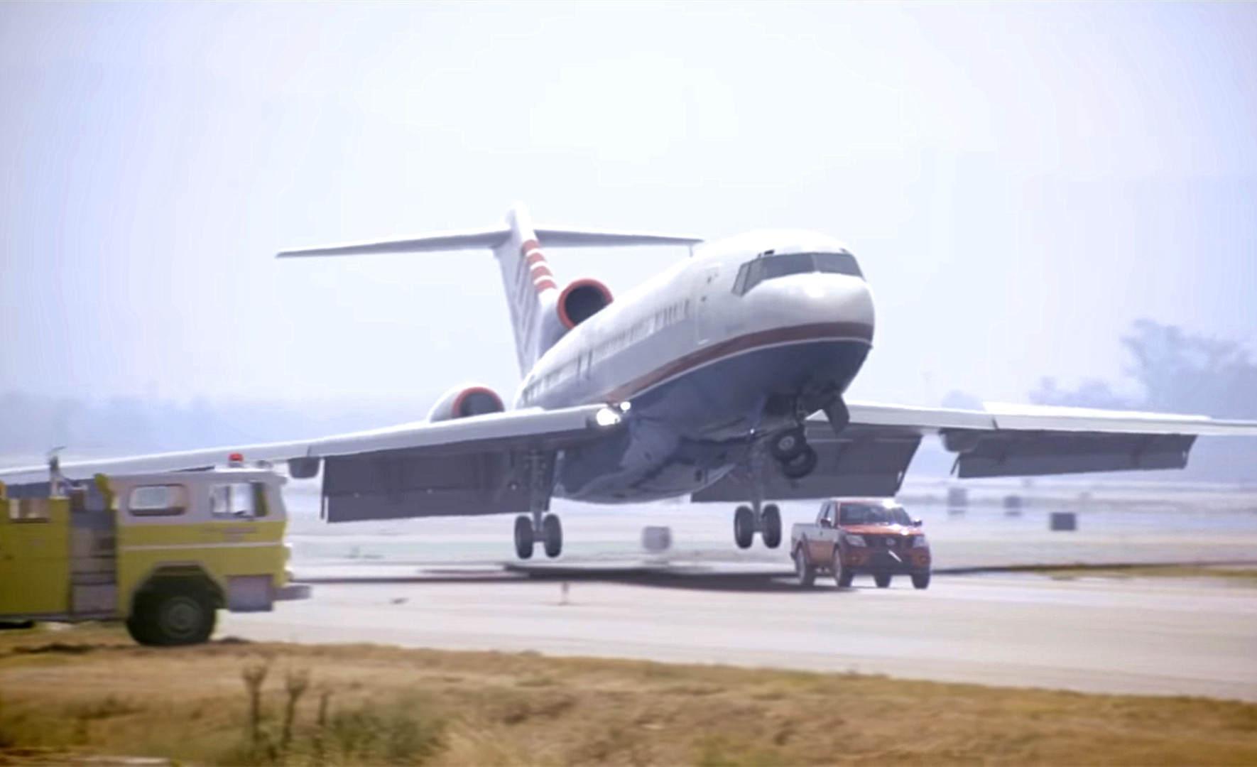 日本皮卡能跑赢飞机并救下100多人命?有视频也未必有真相