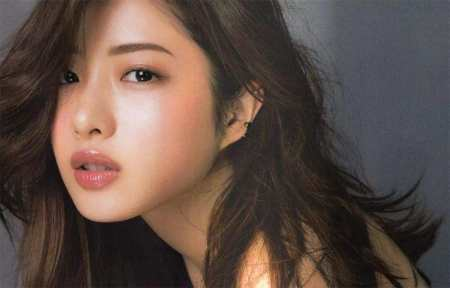 为什么微博上有那么多人厌恶石原里美,并且在网上黑她?