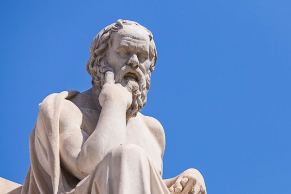 叔本华为什么认为年轻人很早洞察人事或谙于世故预示着本性平庸?(为什么叔本华说年轻人)