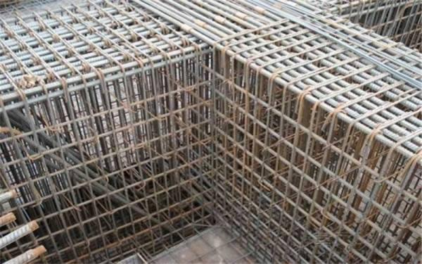 跨度4米5的大梁怎么配钢筋?