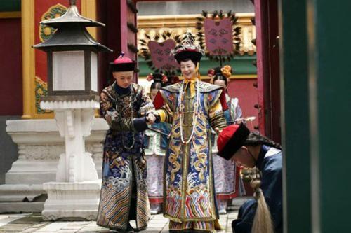 八国联军闯进皇宫后,睡了慈禧的床,留下什么话无人敢翻译?