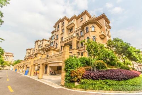 小县城的房子很多都卖不掉,但是为什么房价却不降?