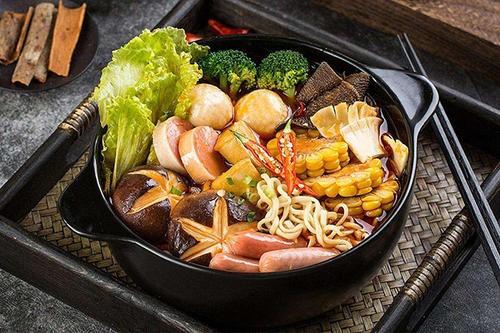 麻辣烫好吃到底是因为汤底好还是食材好?