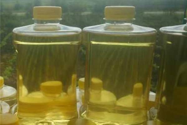 为什么一些农民卖的花生油比超市的贵很多?