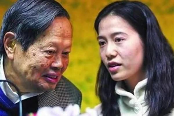 杨振宁娶翁帆被骂个半死,为什么齐白石93岁想娶22岁女子却被传为佳话?