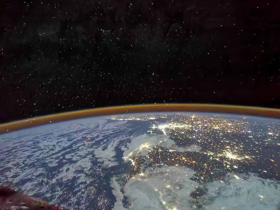 中国空间站太阳翼被暴晒变形?还能用吗?太空环境到底有多恶劣?
