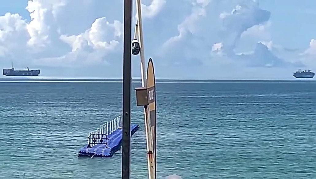 深圳海面上空出现两艘悬浮轮船,是海市蜃楼还是时空错乱?