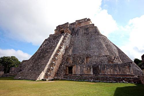 玛雅古抄本中记载人类生活在第四世界,前三个世界都发生了什么?
