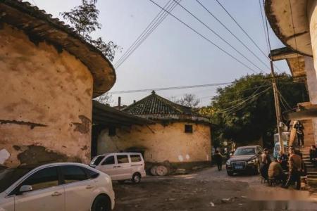 重庆南岸长生桥,曾经的粮仓群,你看过吗?