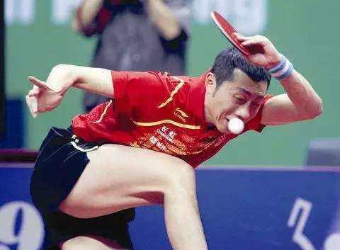 """打乒乓球时关于""""压拍""""的几个误区,应该如何纠正?"""